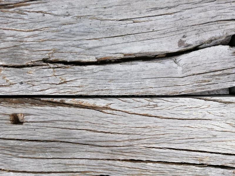 Oude houten barst, Grijze kleur in horizontale lijn voor achtergrond royalty-vrije stock afbeelding