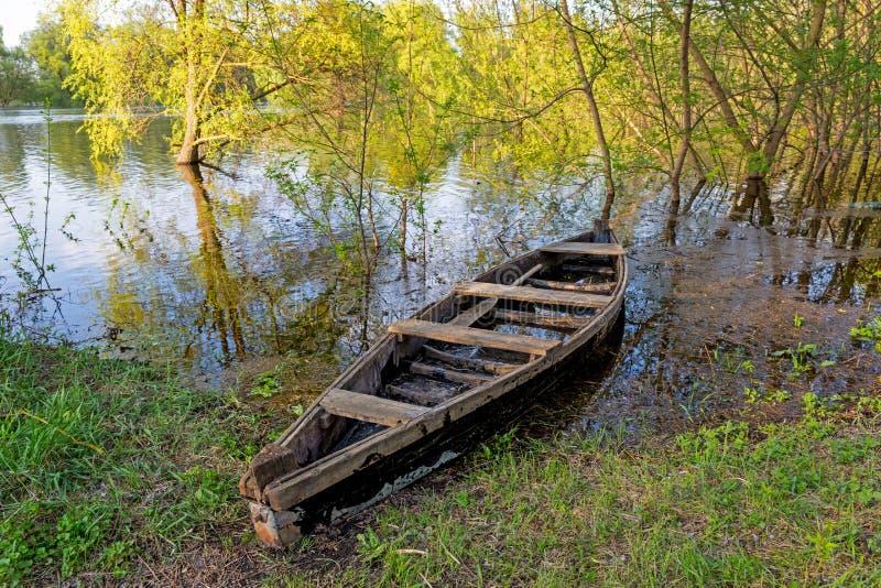 Oude houten boot stock fotografie
