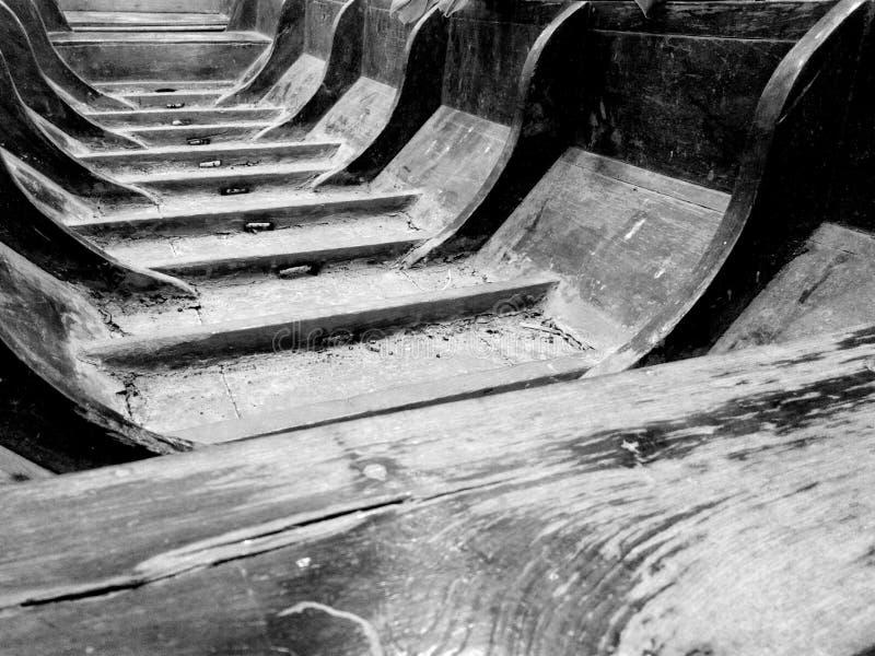 Oude houten boot stock foto's