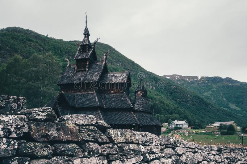 Oude houten Borgund Stave Church stock afbeelding