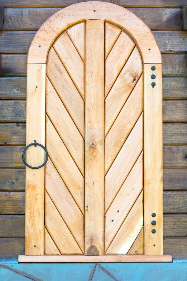 Oude houten deur decoratie stock foto afbeelding for Houten schijven decoratie