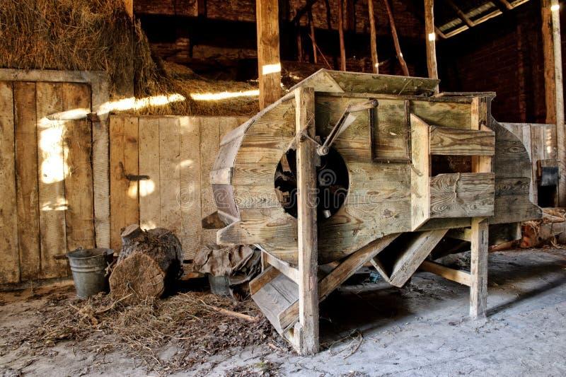 Oude houten dorsmachine royalty-vrije stock fotografie