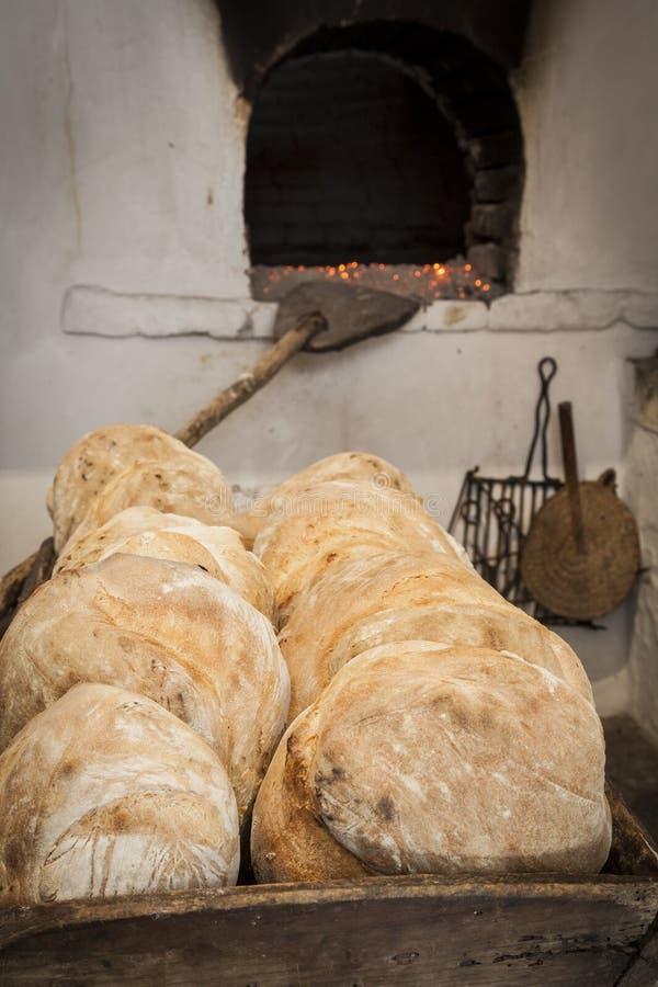 Oude houten oven stock afbeeldingen