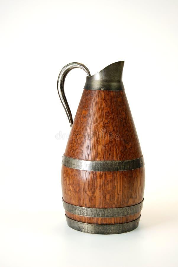 Oude houten waterkruik stock afbeelding