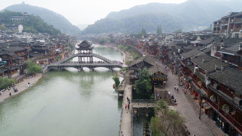 Oude huizen in de oude stad van Fenghuang stock afbeelding