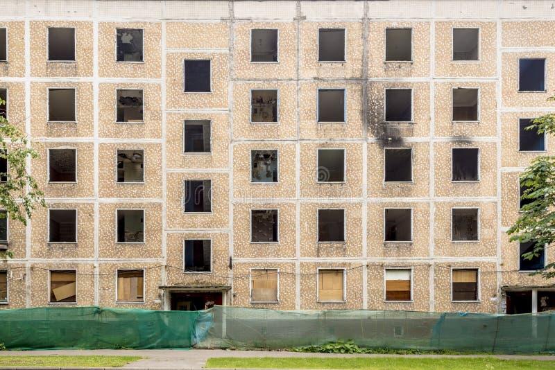 Oude huizen in Moskou vóór de vernieling van het programma van de de zomervernieuwing royalty-vrije stock fotografie