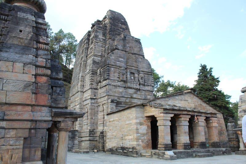 Oude Indiase tempel met verbluffende stone architectuur royalty-vrije stock afbeeldingen