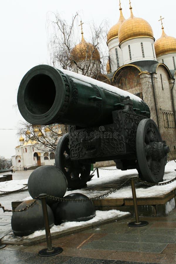 Oude Kanon en het Kremlin stock afbeeldingen