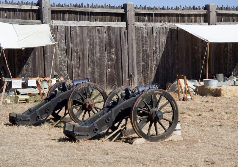 Oude kanonnen in Fort Ross royalty-vrije stock fotografie