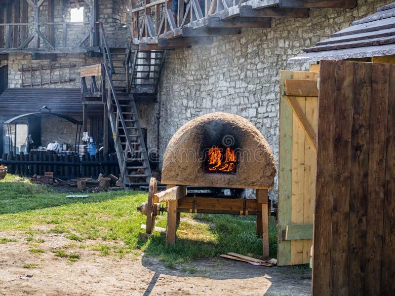 Oude kasteelmening van kamenec-Podolskiy stad, de Oekraïne stock foto's