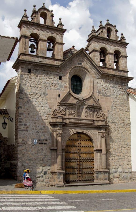 Oude katholieke kerkvoorgevel in Cuzco Peru royalty-vrije stock afbeeldingen