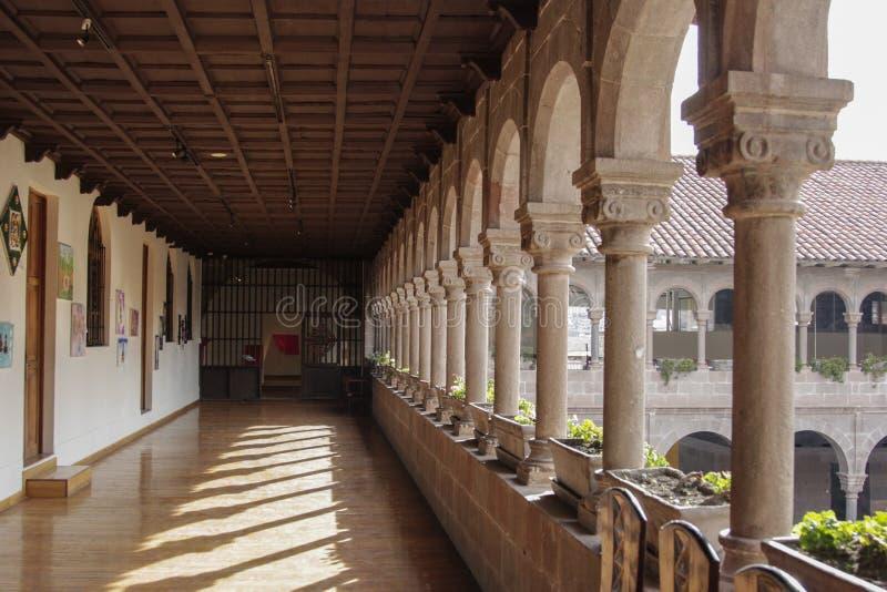 Oude katholieke kerkvoorgevel in Cuzco Peru royalty-vrije stock foto's