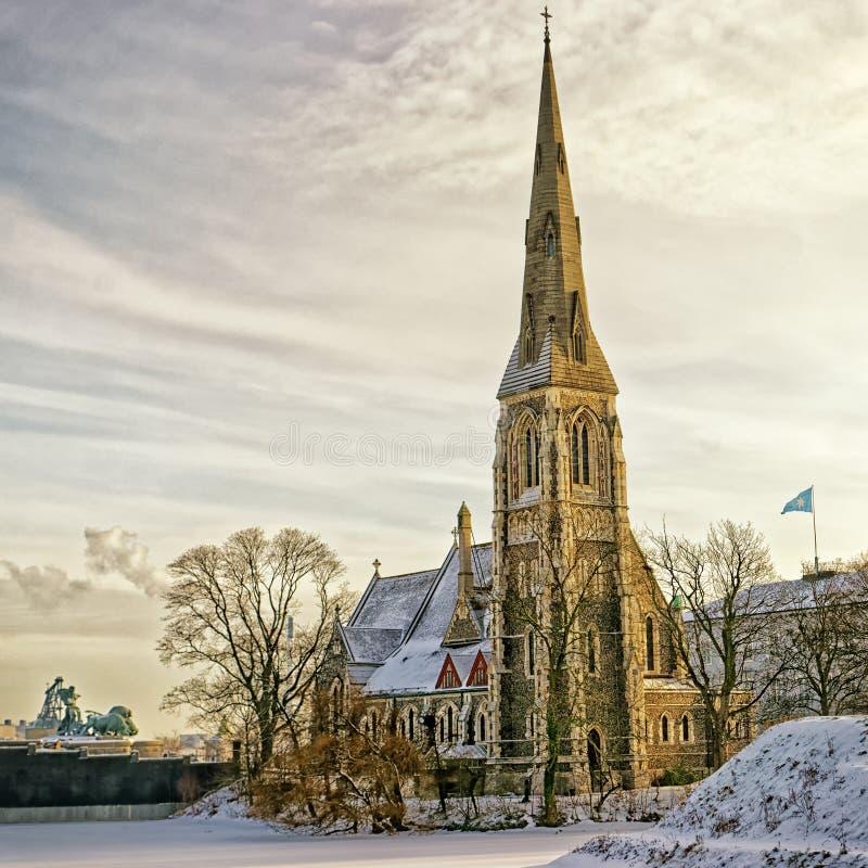 Oude kerk in Denemarken in de winter royalty-vrije stock foto