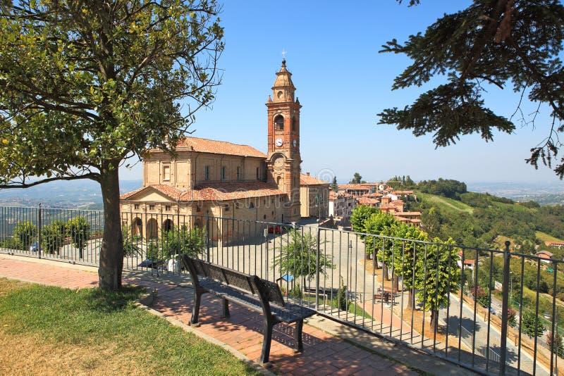 Oude kerk in Diano D'Alba, Italië. stock fotografie