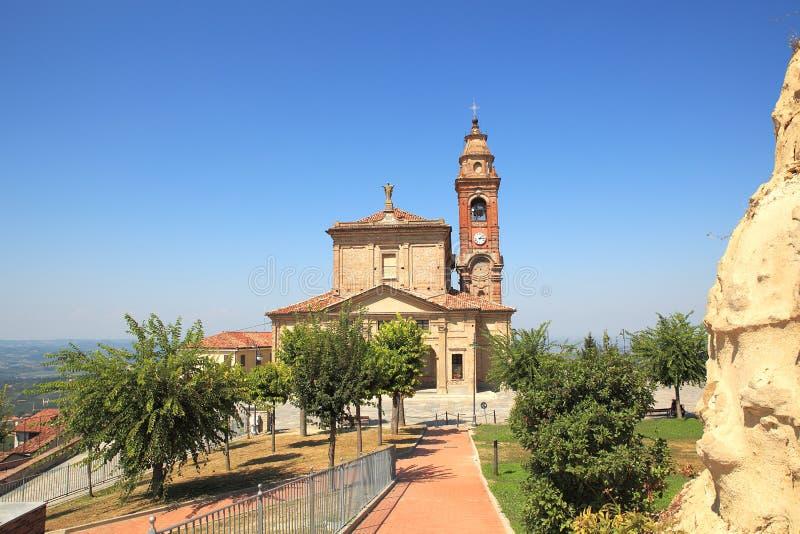 Oude kerk in Diano D'Alba, Italië. stock afbeelding