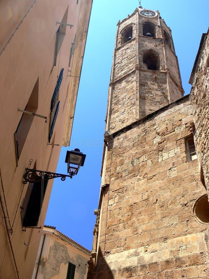 Oude kerk met zichtbare bakstenen royalty-vrije stock foto's