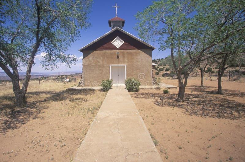 Oude kerk in noordelijk New Mexico weg van Route 84 in Yountville, New Mexico stock afbeeldingen