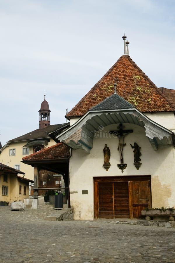Download Oude kerk in Zwitsers dorp stock afbeelding. Afbeelding bestaande uit installatie - 39111189