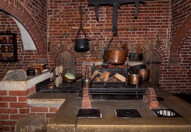 oude keuken in malbork kasteel stock foto afbeelding 46592564
