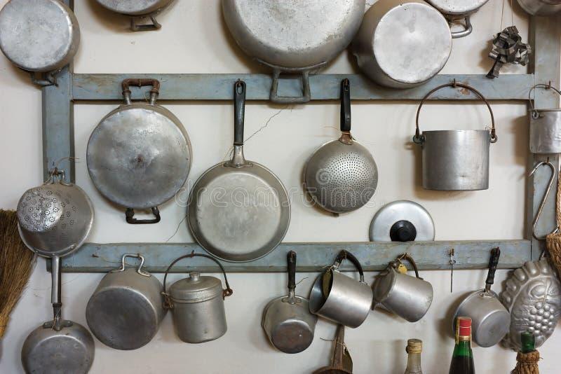 Oude keukenapparatuur stock afbeeldingen