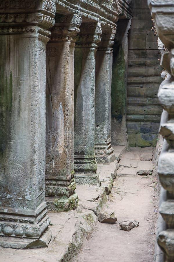 Oude Khmer gravure van Krishna, Angkor stock foto's
