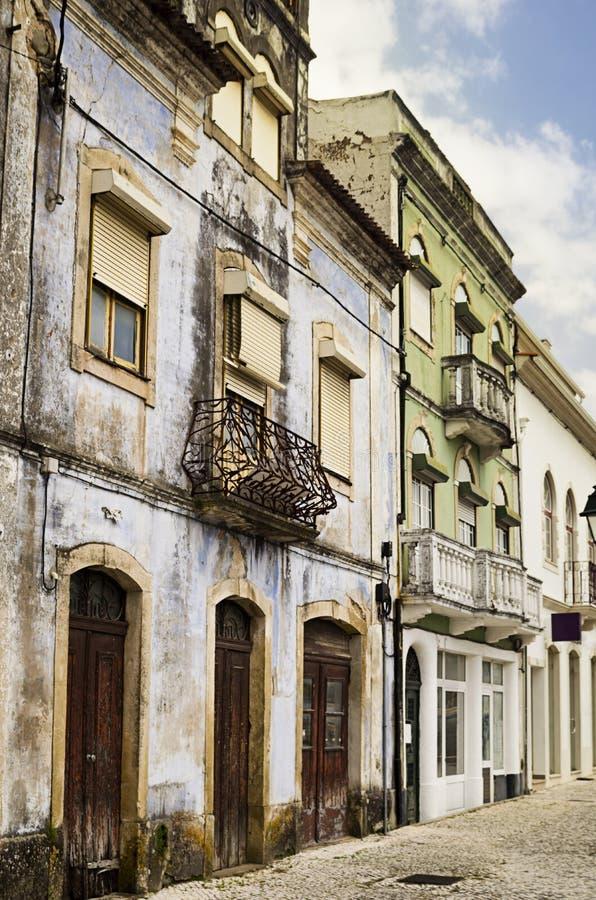 Oude Kleurrijke Portugese Flatgebouwen stock foto