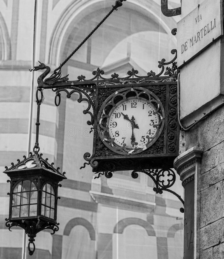 Oude klok in de stadscentrum van Florence royalty-vrije stock foto's