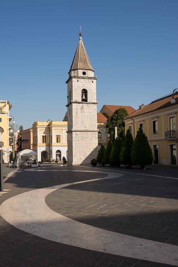 Oude Klokketoren van de Kerk van Santa Sofia in Benevento I stock afbeeldingen