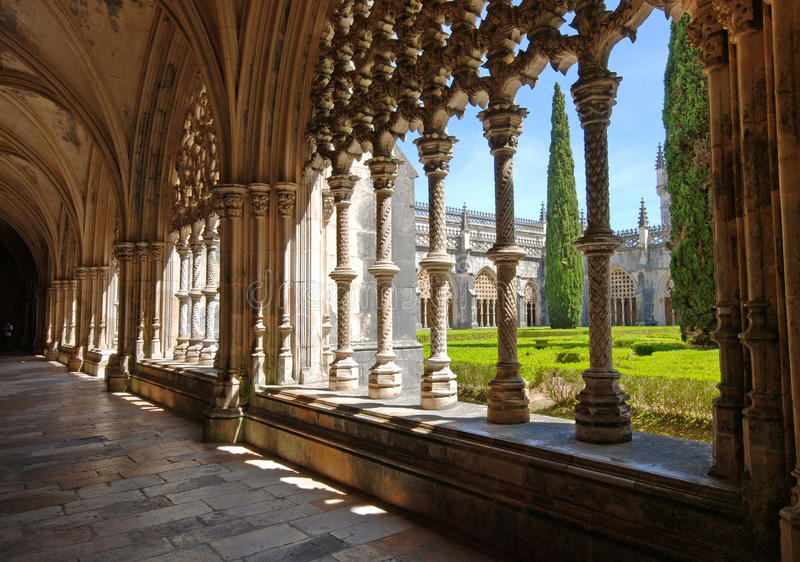 Oude klooster en tuin, Batalha, Portugal royalty-vrije stock fotografie