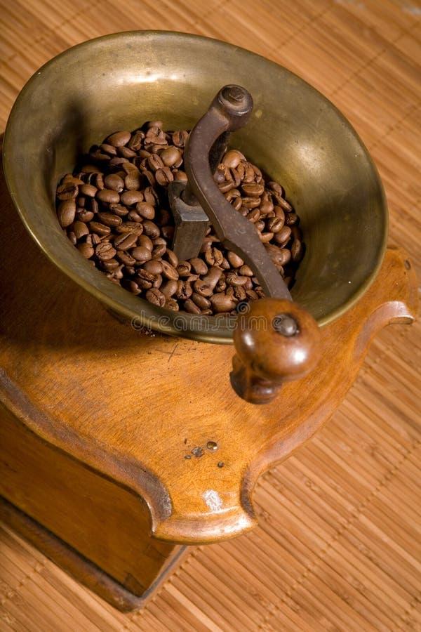 Oude koffiemolen stock foto's