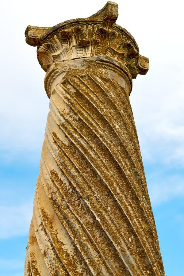 oude kolom in de de de hemelgeschiedenis en aard van Afrika royalty-vrije stock foto's