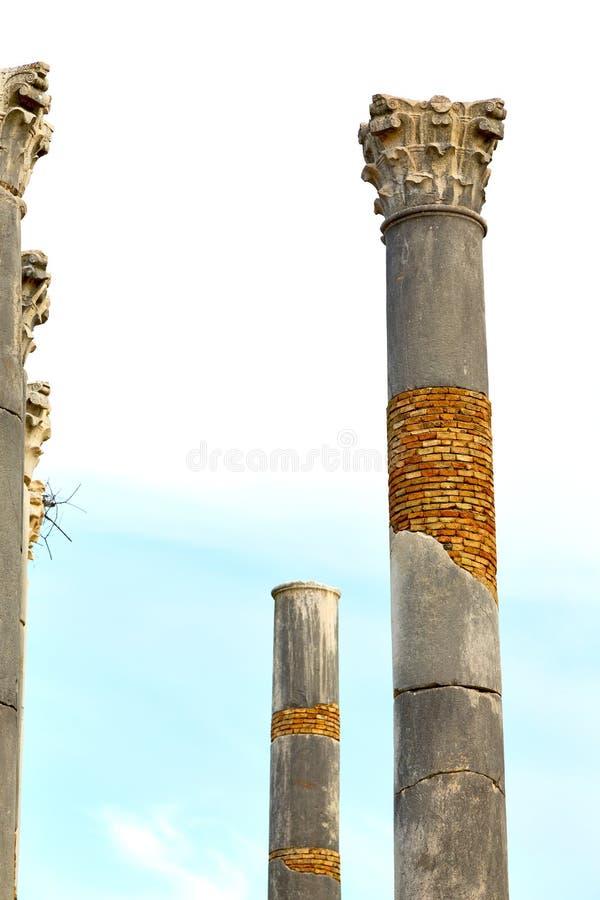 oude kolom in de de hemelaard van Afrika royalty-vrije stock foto's