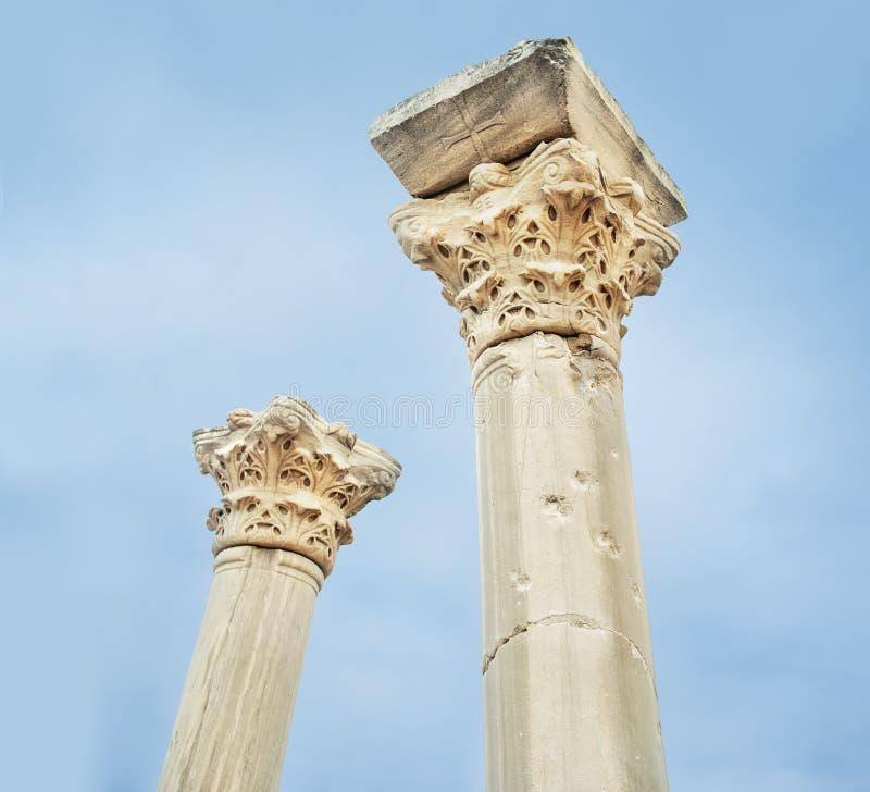 Oude kolommen van de oude tempel royalty-vrije stock foto
