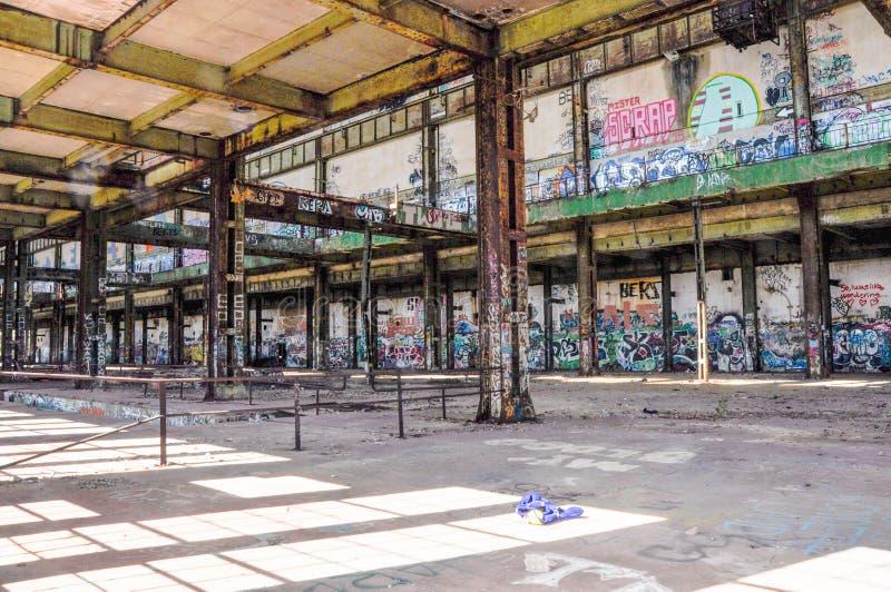 Oude Krachtcentrale: Structureel Staal en het Etiketteren stock foto