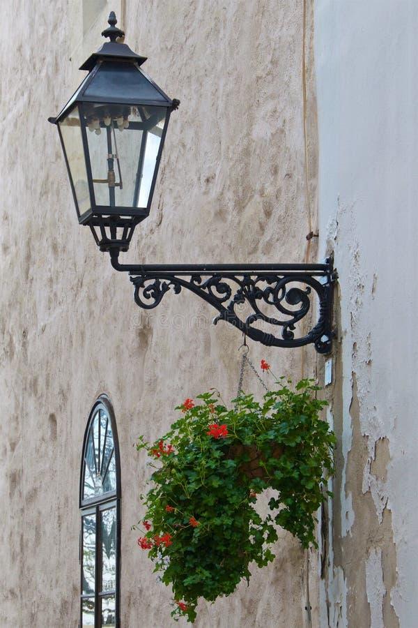 Oude lamppost in de Hogere Stad van Zagreb in Kroatië stock afbeelding