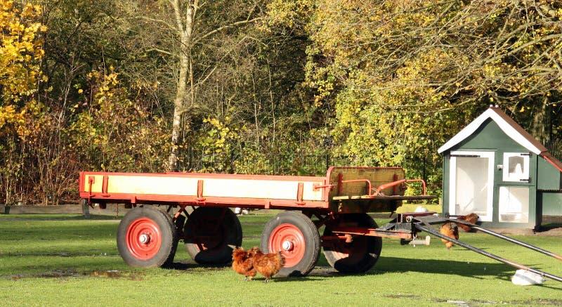 Oude landbouwbedrijfaanhangwagen royalty-vrije stock foto