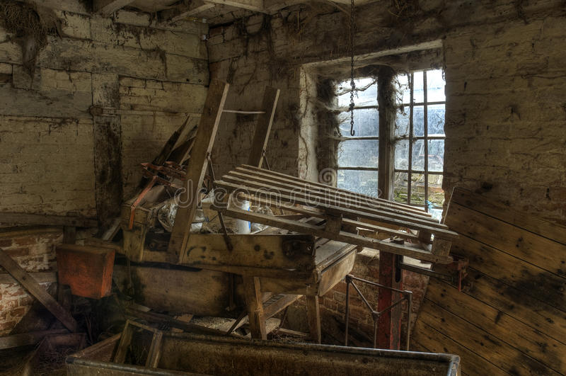 Oude landbouwbedrijfmachines stock afbeeldingen