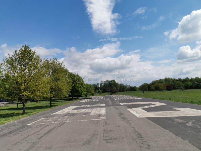 Oude luchtmachtbasis helikopter stock afbeeldingen