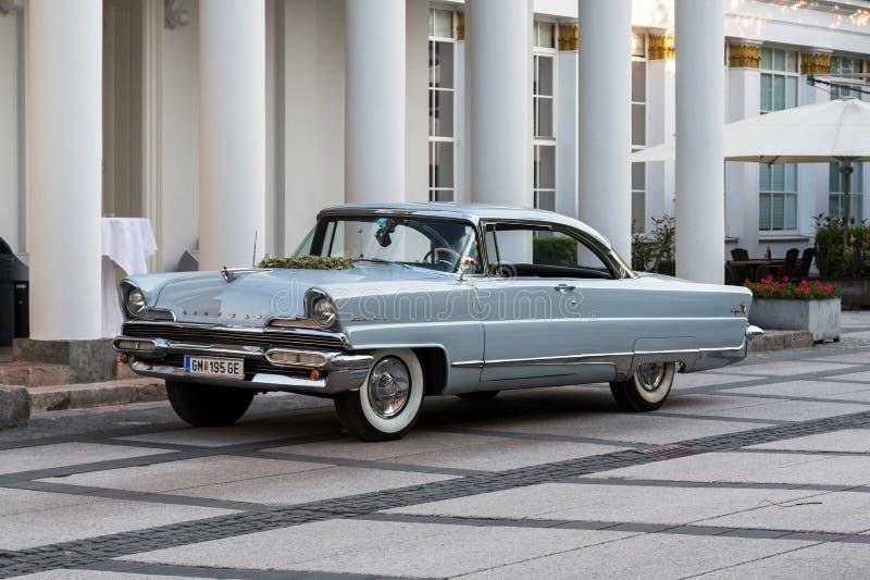 Oude luxueuze auto Lincoln Continrent royalty-vrije stock fotografie
