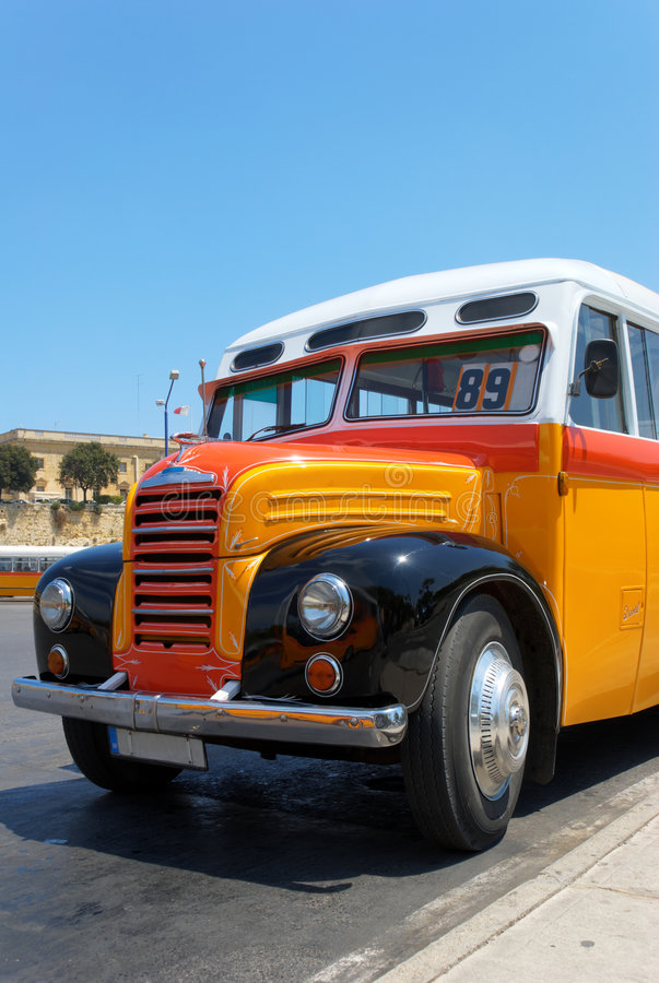 Oude Maltese Bus (1952) royalty-vrije stock afbeeldingen