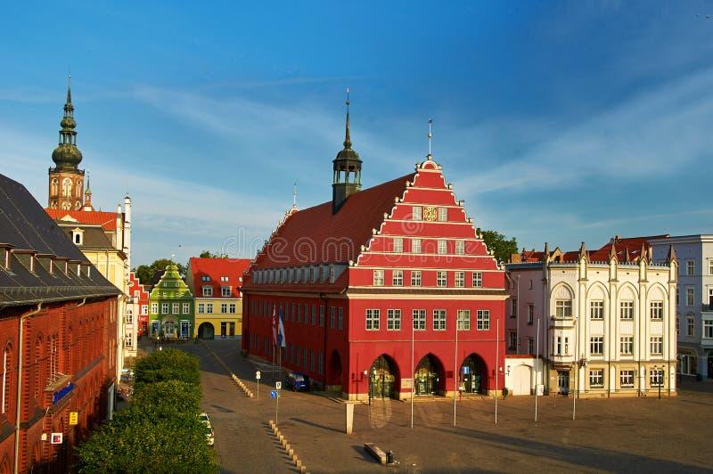 oude markt met stadhuis van stad van Greifswald royalty-vrije stock fotografie