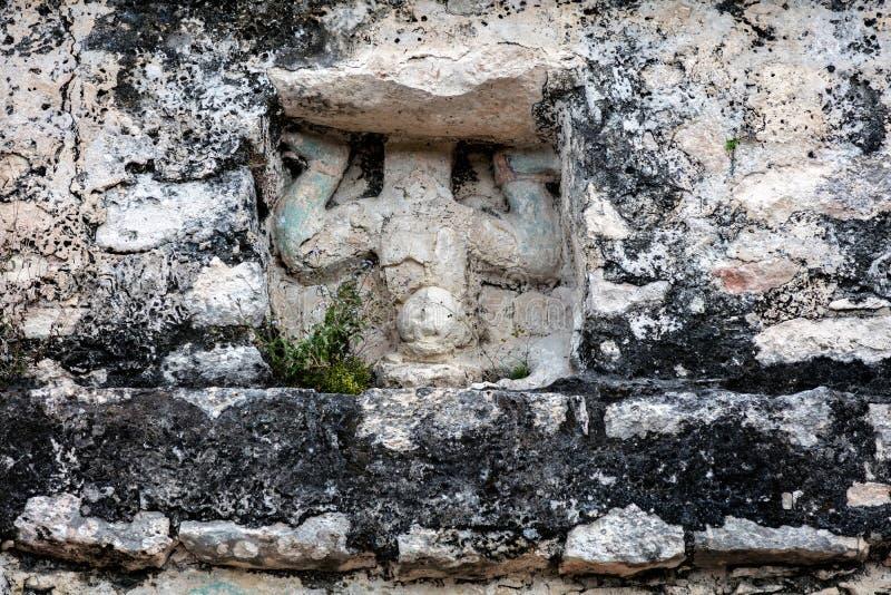 Oude Mayan gravure van de duikende god ` van ` stock foto's