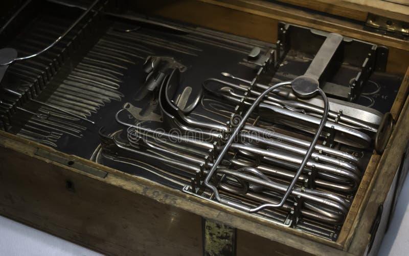 Oude medische instrumenten royalty-vrije stock foto's
