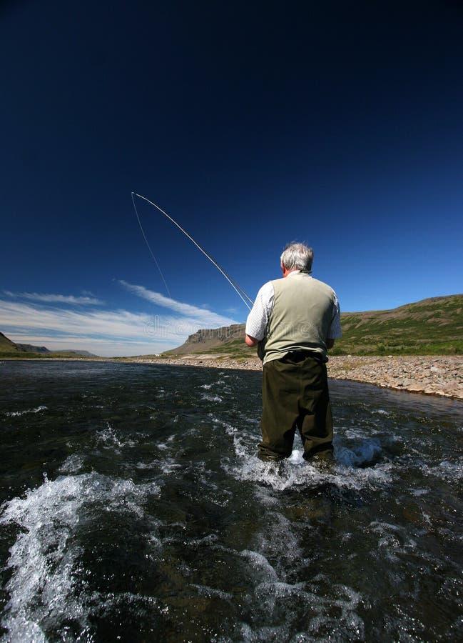Oude mens en de rivier