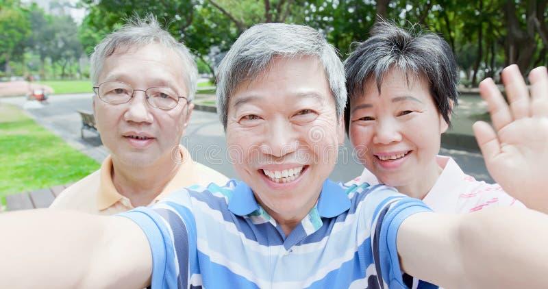 Oude mensen selfie gelukkig royalty-vrije stock afbeelding