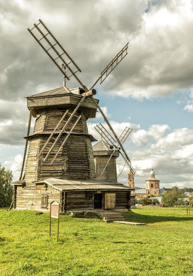 Oude molens in Suzdal, Rusland royalty-vrije stock afbeelding