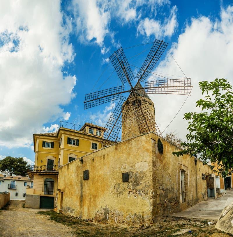 Oude molens van Gr Jonquet, Palma, Mallorca stock fotografie