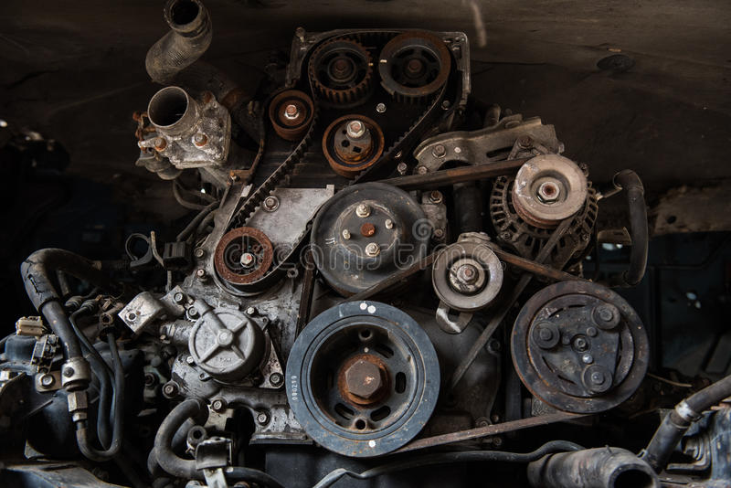 Oude motor van een auto stock foto