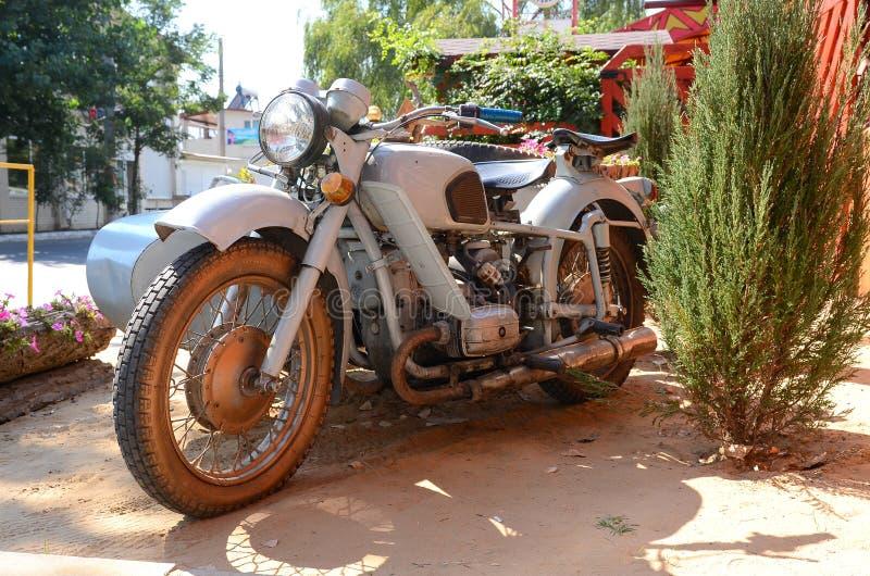 Oude motorfiets royalty-vrije stock afbeelding