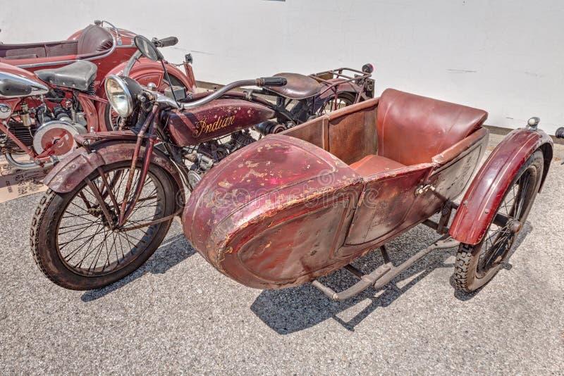 Oude motorfiets Indische Verkenner Side 600 CC met sidec stock afbeeldingen